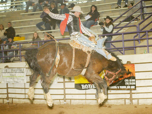Opsu News Off With A Bang Opsu Rodeo Team Kicks Off